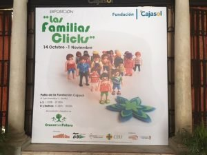 Exposición de las Familias Clicks en Fundación Cajasol